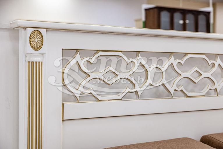 Кровать Тартус из массива сосны (белая эмаль с золотой патиной)