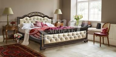 Кровать Монро из массива дуба