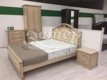 Спальный гарнитур Камила из массива дуба